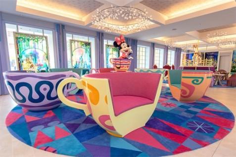 celebration-lobby-300x200@2x-550x367