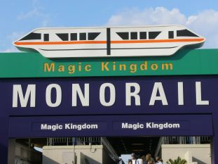 magic_kingdom_monorail_entry_arch